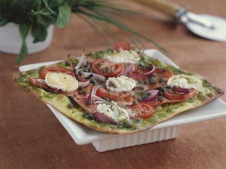 Lachpizza mit Ziegenkäse