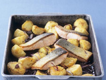 Lachs mit gebackenen Kartoffeln