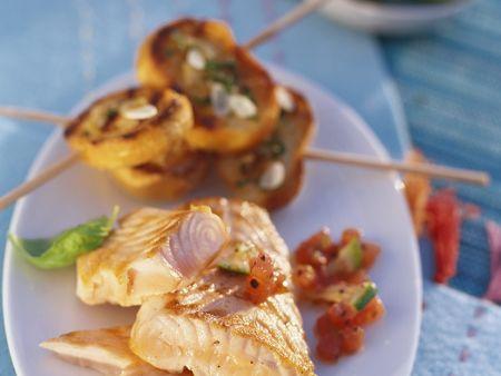 Rezept: Lachs mit gegrilltem Brot