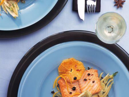 lachsfilet aus dem ofen auf orangen fenchel gem se rezept eat smarter. Black Bedroom Furniture Sets. Home Design Ideas