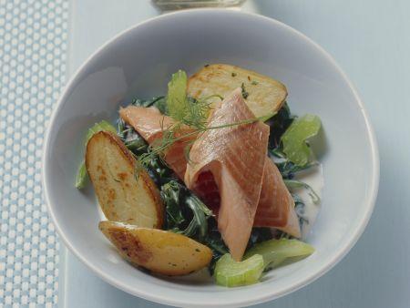 Lachsforelle mit Spinat und Kartoffeln