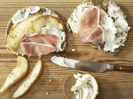 Lachsschinken-Frischkäse-Brote: Zubereitungsschritt 3