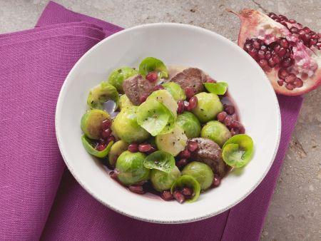 Lamm mit Sprossenkohl und Granatapfel