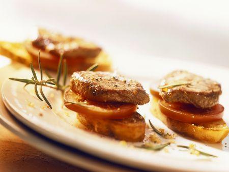 Rezept: Lammschnitzelchen auf Röstbrot