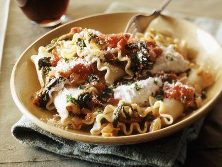 Lasagnette mit Ricotta, Tomaten und Spinat