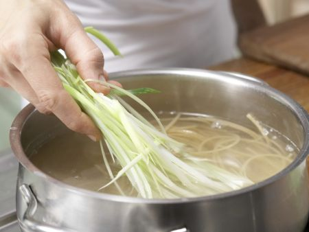 Lauch-Spaghetti mit Thunfischsauce: Zubereitungsschritt 6