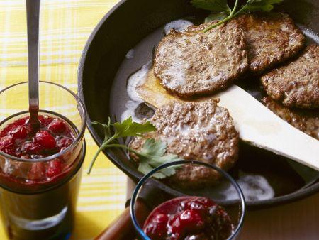 Rezept: Leberpfannkuchen mit Cranberriesoße