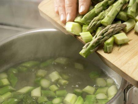 Leichte Käsesuppe: Zubereitungsschritt 3