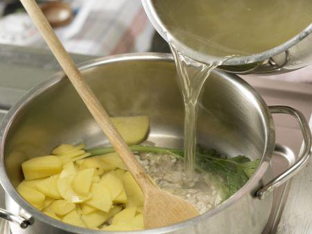 Leichte Käsesuppe: Zubereitungsschritt 6