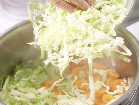 Leichter Gemüseeintopf: Zubereitungsschritt 5