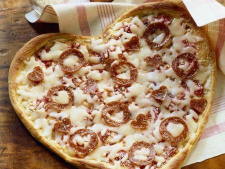 Liebes-Pizza mit Salami