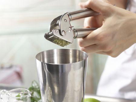 Limetten-Ingwer-Cocktail: Zubereitungsschritt 1