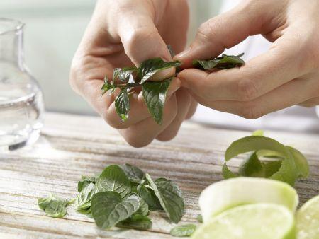 Limetten-Ingwer-Cocktail: Zubereitungsschritt 3