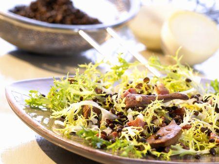 Rezept: Linsen-Friséesalat mit Geflügelleber
