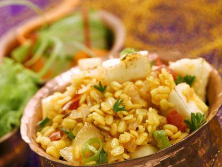 Linsen mit gebratenem indischem Käse (Paneer)