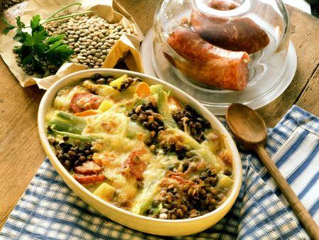 Linsengratin mit Gemüse und Wurst