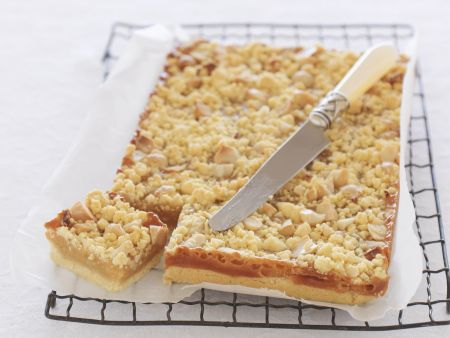 Macadamia-Kuchen mit Karamell