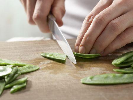 Mairübensalat mit Sprossen: Zubereitungsschritt 1