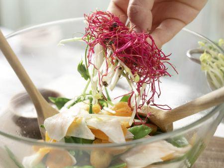 Mairübensalat mit Sprossen: Zubereitungsschritt 9