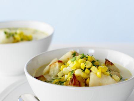 Maissuppe mit Meeresfrüchten