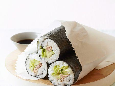 Maki und Avocado und Thunfisch