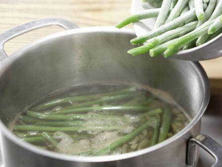 Makkaroni mit Gemüse-Ragout: Zubereitungsschritt 1