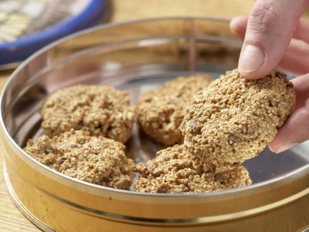 Mandelmakronen mit Datteln: Zubereitungsschritt 6