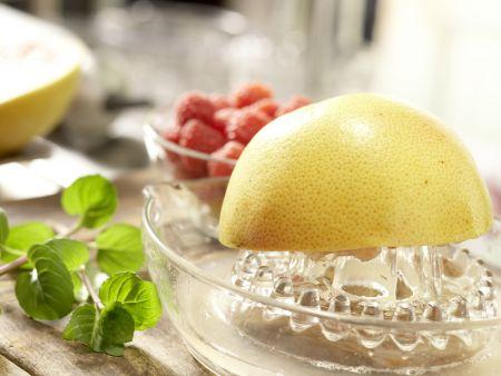 Mango-Himbeer-Cocktail: Zubereitungsschritt 2