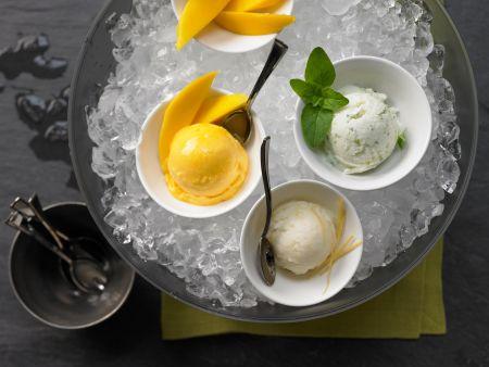 Mango-, Minz-, Zitroneneis mit Mangospalten