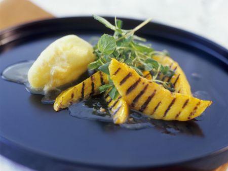 Mango-Sorbet mit Grill-Mango
