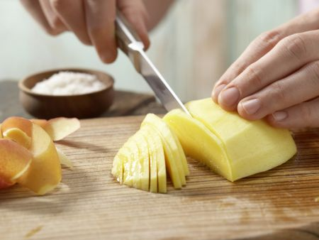 Mango-Toast mit Kokosraspeln: Zubereitungsschritt 1