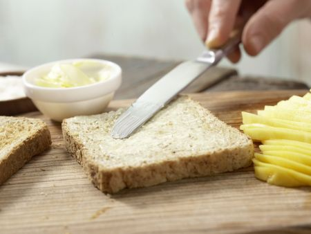 Mango-Toast mit Kokosraspeln: Zubereitungsschritt 2