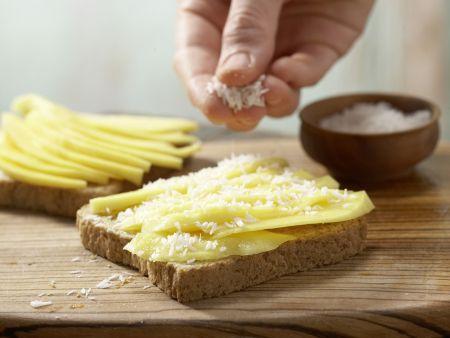 Mango-Toast mit Kokosraspeln: Zubereitungsschritt 3
