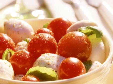 Marinierter Mozzarella mit Cherrytomaten
