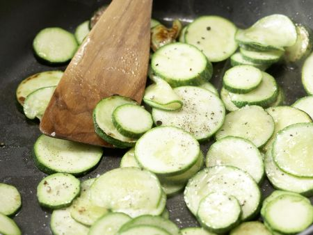 Mariniertes Ingwer-Zucchini-Gemüse: Zubereitungsschritt 4