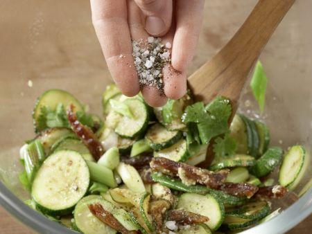 Mariniertes Ingwer-Zucchini-Gemüse: Zubereitungsschritt 8