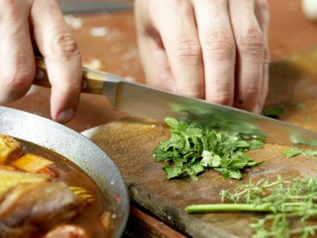 Geschmortes Hähnchen in Rotwein: Zubereitungsschritt 6