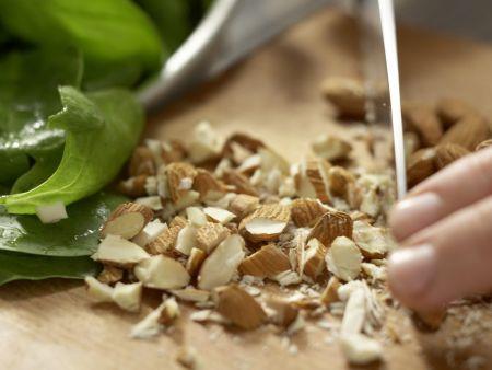 Marokkanischer Spinatsalat: Zubereitungsschritt 1