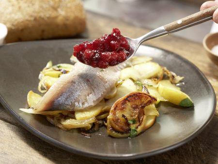 Matjes auf Apfel-Zwiebel-Gemüse: Zubereitungsschritt 6
