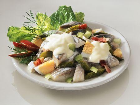 Matjes-Eier-Salat mit Gurke