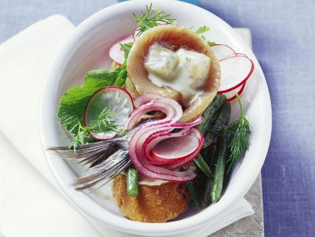 Matjes mit Senfgurken und Bohnengemüse