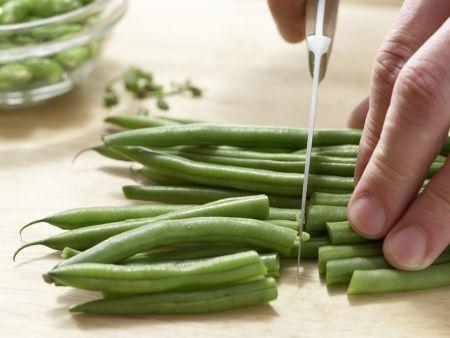 Matjessalat mit Bohnen: Zubereitungsschritt 2