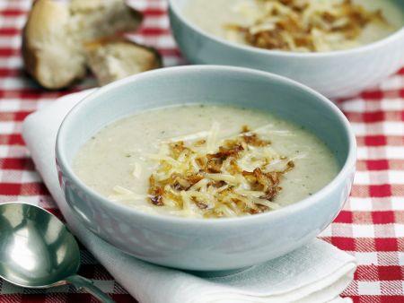Mehlsuppe mit Käse und gerösteten Zwiebeln