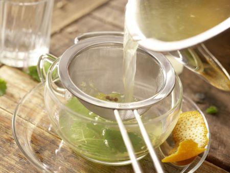 Melisse-Zimt-Tee: Zubereitungsschritt 5