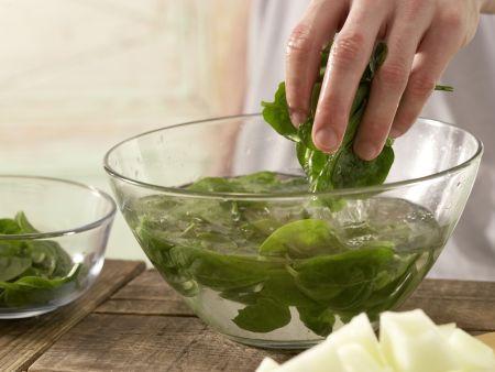 Melonen-Spinat-Saft: Zubereitungsschritt 2