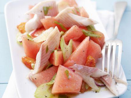 Melonensalat mit geräucherter Forelle
