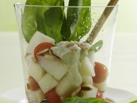 Melonensalat mit Tomaten, Spinat und Gorgonzola