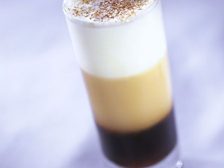 Milchkaffee mit Grappa