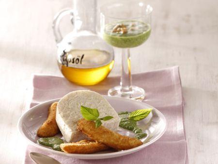 Milchreismousse mit gebackenen Minibananen und Minz-Pesto