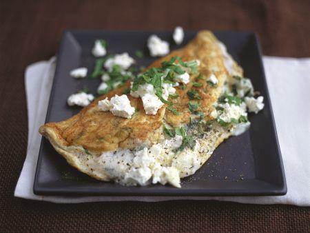 Mit Feta gefülltes Omelette